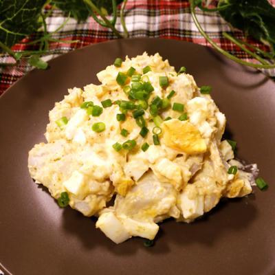 里芋とゆで卵のごまマヨサラダ