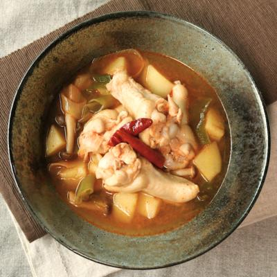 暑いときこそ 炊飯器で激辛チキンスープ