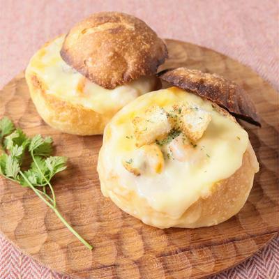 ミニクリームシチューチーズパン