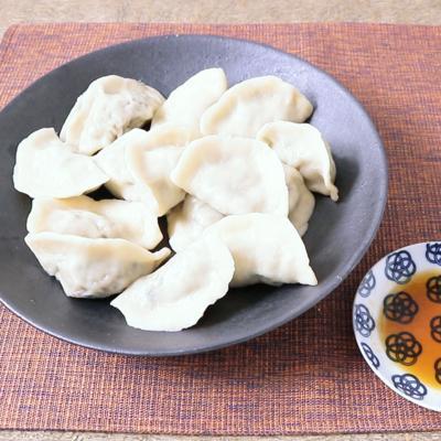 旨味たっぷり サバの水煮缶で作る水餃子