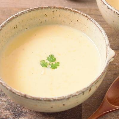 甘酒とコーン缶のとろとろクリームスープ