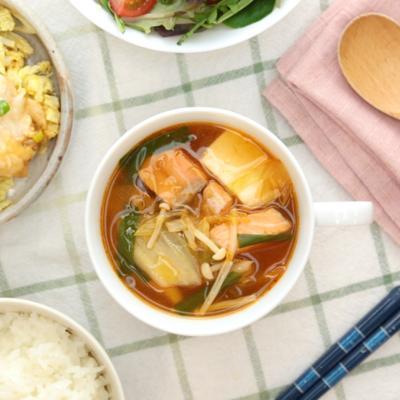 鮭のチゲスープ