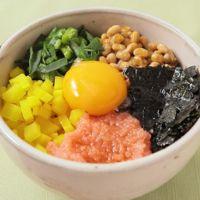 納豆とアイスプラントの5色丼
