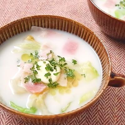 レタスとベーコンのミルクバタースープ