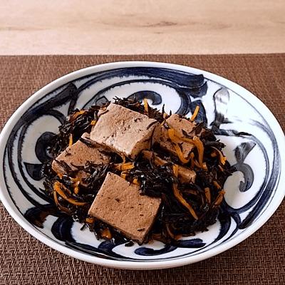 高野豆腐とひじきの醤油煮