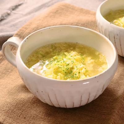 カットキャベツと卵のコンソメスープ