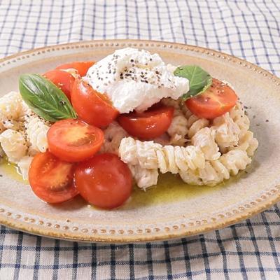 リコッタチーズ入りツナとトマトのパスタ