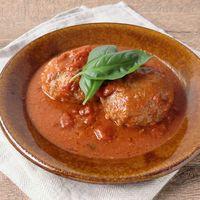 バジル香る トマトソースの煮込みハンバーグ