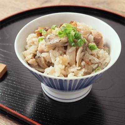 和風ドレッシングで 鶏肉ときのこの炊き込みご飯