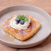 パン粉で作れるブルーベリーのフレンチトースト