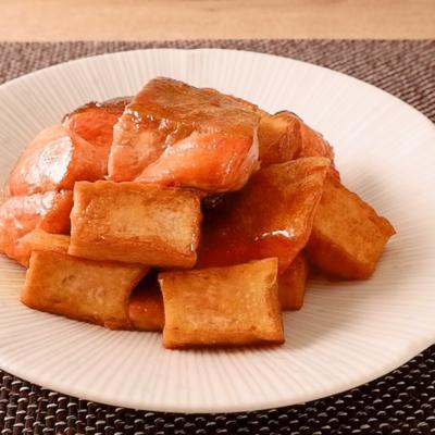 鮭と厚揚げの甘辛しょうゆ炒め