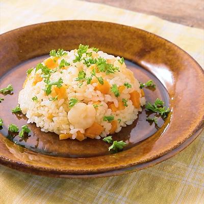 生米から炊く レンジでエビピラフ風