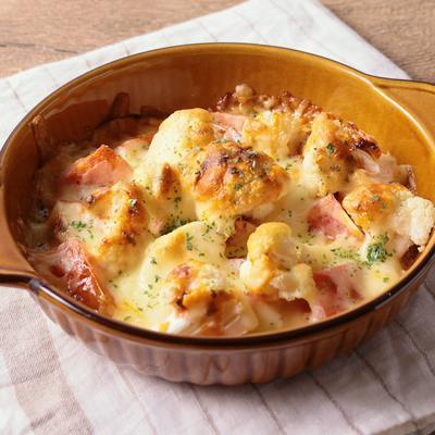 ゴロゴロ トマトとカリフラワーのチーズ焼き