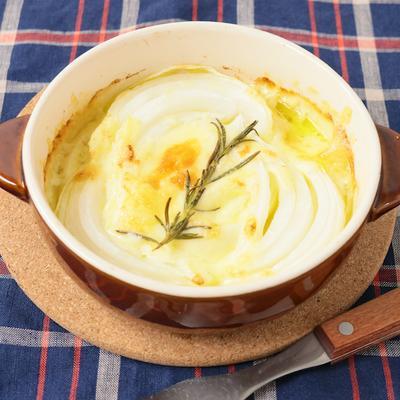 新玉ねぎとチーズのトースター焼き