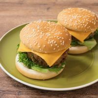 バジルのチーズハンバーガー