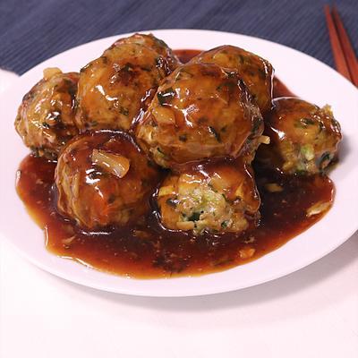 余った時にはこのレシピ!野菜たっぷり餃子あんの肉団子 甘酢あんかけ