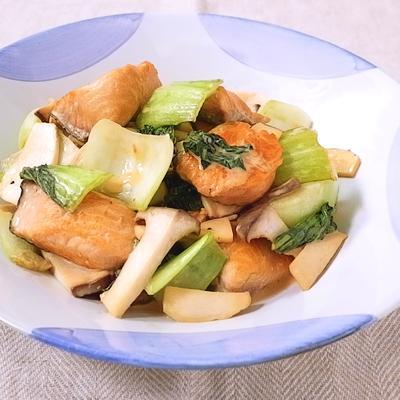 鮭とチンゲン菜のマヨポン酢炒め