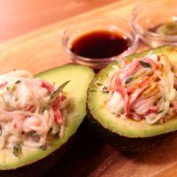 アボカドと食べるカニサラダ