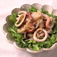 イカのバターソテーとわさび菜のサラダ