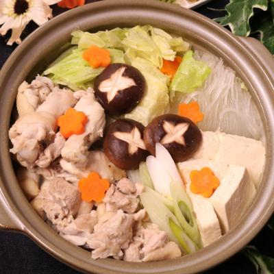 鶏肉しっとり!水炊き鍋