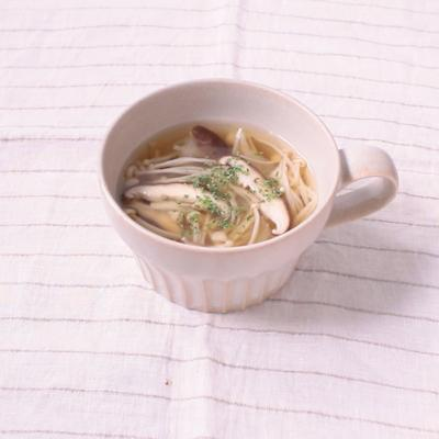 えのきとしいたけのコンソメスープ