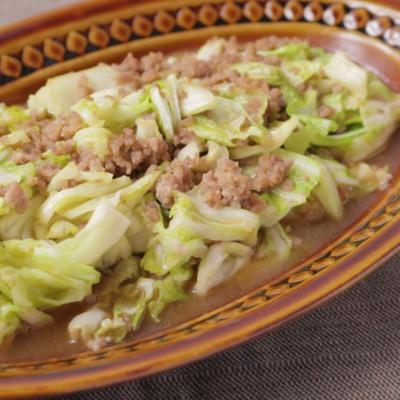 キャベツと豚ひき肉の味噌炒め