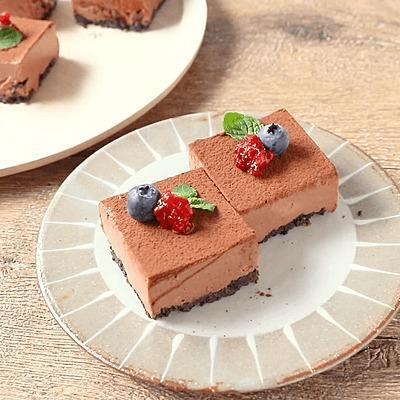 ミックスベリーのチョコレートケーキ