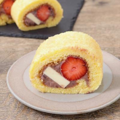 いちごのあんバターロールケーキ