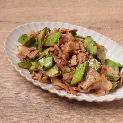 豚バラ肉と四角豆のXO醤炒め