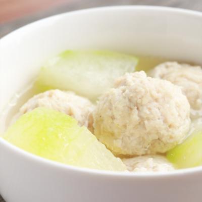 冬瓜と鶏団子のほっこりスープ