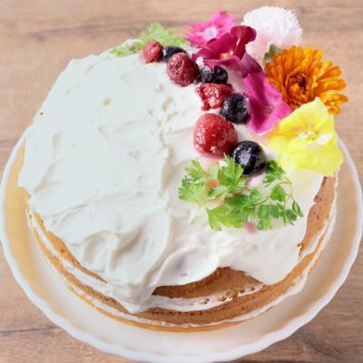 HMで エディブルフラワーのネイキッドケーキ