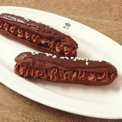 チョコレートエクレア