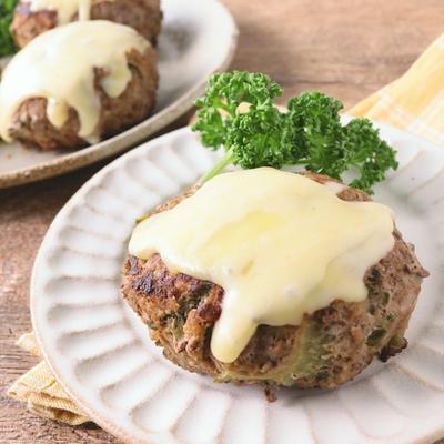 とろーりチーズの ゴーヤハンバーグ