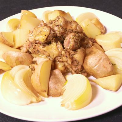レモン風味のハーブチキンとポテト焼き