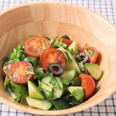 きゅうりとトマトのさっぱりサラダ
