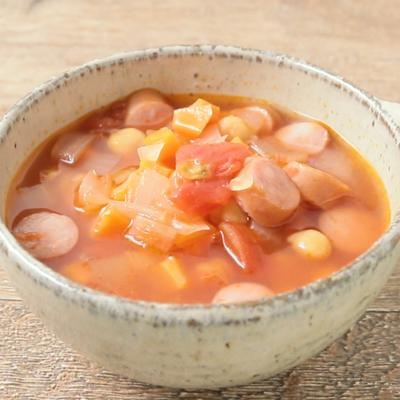 ひよこ豆とウインナーのトマトスープ