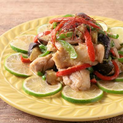 ライム香る鶏もも肉のグリーンカレー炒め