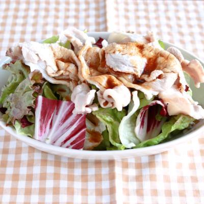ボリューム満点 豚肉サラダ