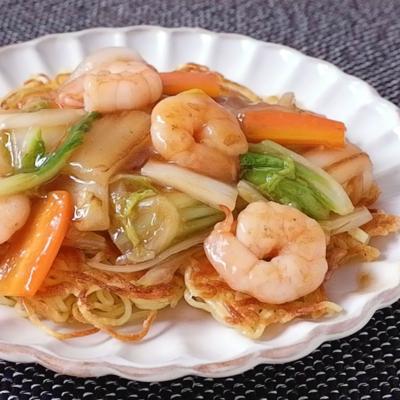 麺がカリカリ エビと白菜のあんかけ焼きそば