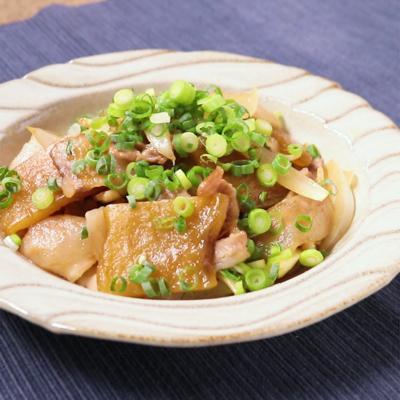 豚バラ肉と干し芋のバター醤油炒め