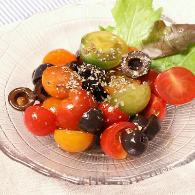 ブラックオリーブとトマトの簡単前菜