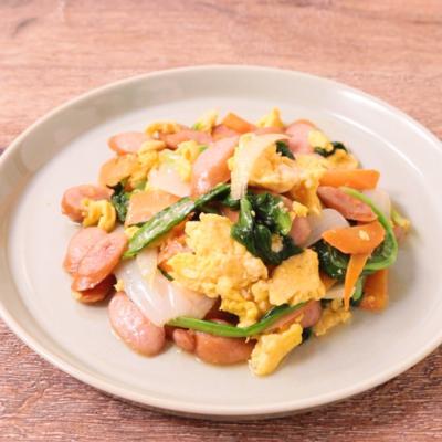 さっと簡単 サラダ菜とウインナーの卵炒め