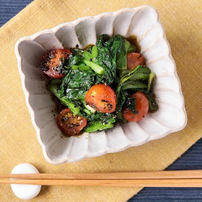 小松菜とミニトマトのごま和え