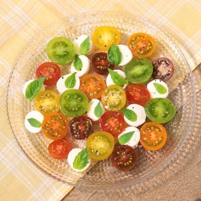 彩りトマトの水玉カプレーゼ