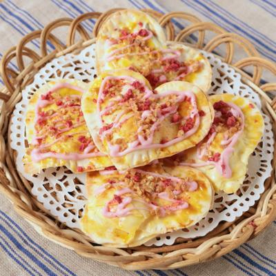 餃子の皮で ハートのマシュマロチョコパイ