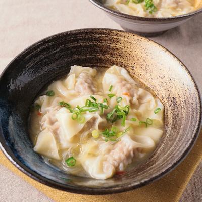 ワンタンと春雨の味噌バタースープ