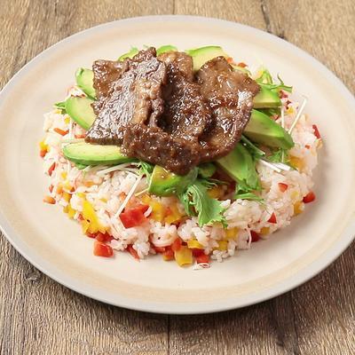 お肉で豪華 牛ロースと野菜のバラ寿司