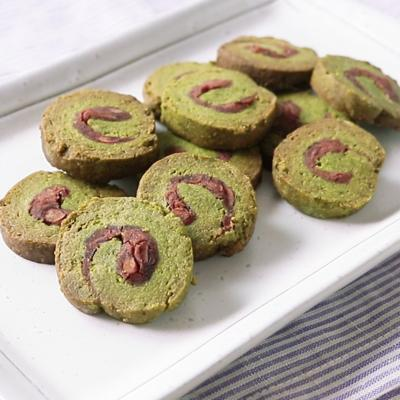 抹茶あずきのくるくるクッキー