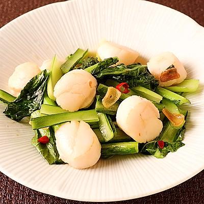 すぐ作れる ホタテと小松菜の鶏ガラニンニク炒め