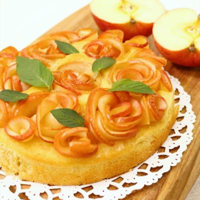 りんごで華やぐ!ローズブーケケーキ